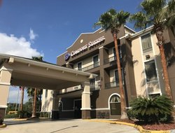 Tomball hotels for families with children