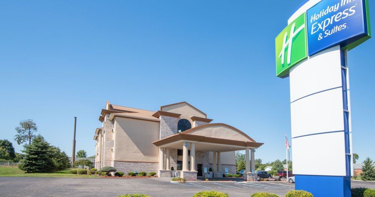 Holiday Inn Express Hotel & Suites Wauseon