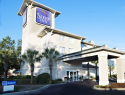 Pets-friendly hotels in North Charleston