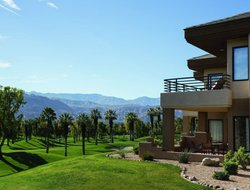Palm Desert hotels with restaurants