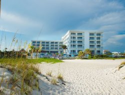 Pensacola Beach hotels with swimming pool
