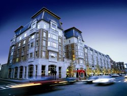Boston hotels with restaurants