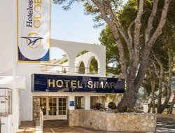 Cala San Vicente hotels for families with children