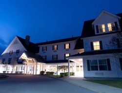Middlebury hotels with restaurants