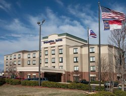 Greensboro hotels with swimming pool