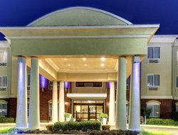 San Angelo hotels with swimming pool