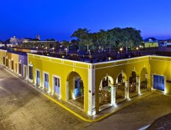 Campeche hotels with swimming pool