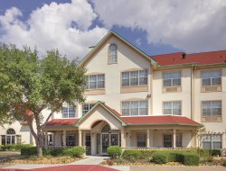 Top-3 hotels in the center of Rockwall