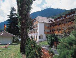 San Giovanni in Valle Aurina hotels with swimming pool