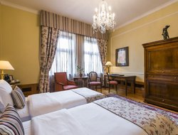 Prague hotels with restaurants