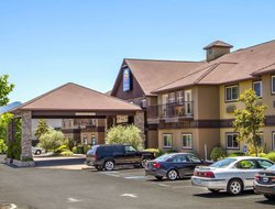 Ukiah hotels with swimming pool