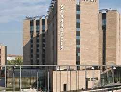 Saronno hotels with restaurants