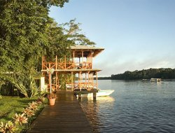 Tortuguero hotels with swimming pool