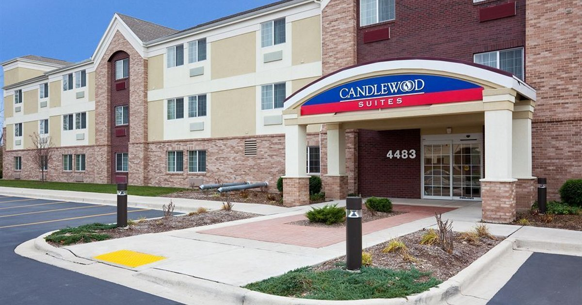 Candlewood Suites Milwaukee Brown Deer Hotel