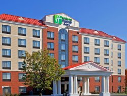 Business hotels in Latham