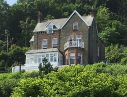 Top-10 romantic LYNTON hotels