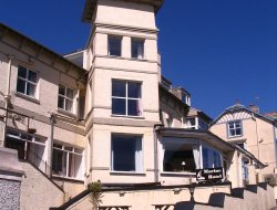 Criccieth hotels with sea view