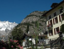 Top-10 hotels in the center of Courmayeur