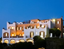 Top-10 hotels in the center of Casamicciola Terme
