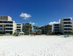 Siesta Key Island hotels with swimming pool