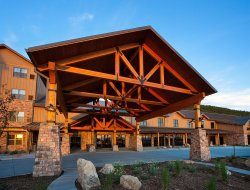 Deadwood hotels for families with children