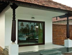 Alleppey hotels with lake view