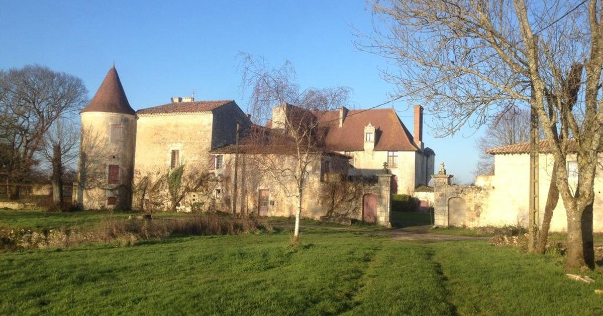 Chateau de Theon