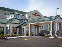 Watertown hotels with restaurants
