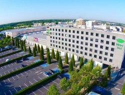 Torcy hotels with restaurants