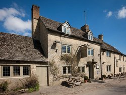 Top-5 hotels in the center of Burford