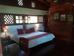 Cahuita hotels with sea view