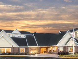 Pets-friendly hotels in Largo