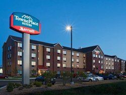 Dodge City hotels with swimming pool