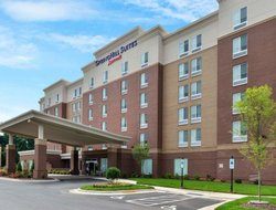 Top-8 hotels in the center of Cary