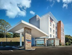Monaca hotels with swimming pool