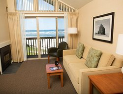 Top-8 hotels in the center of Cannon Beach