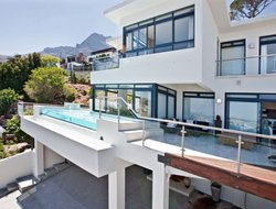Pets-friendly hotels in Camps Bay