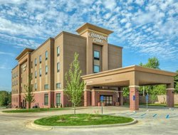 Poplar Bluff hotels with swimming pool