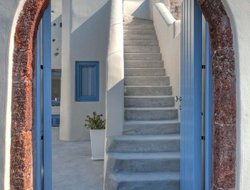 Pyrgos hotels with sea view