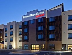 Pets-friendly hotels in Sioux Falls
