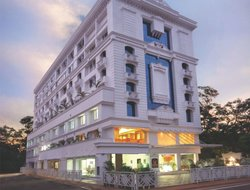 Nedumbassery hotels with swimming pool