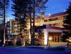 Stateline hotels with restaurants