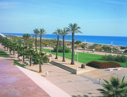 Islantilla hotels with restaurants