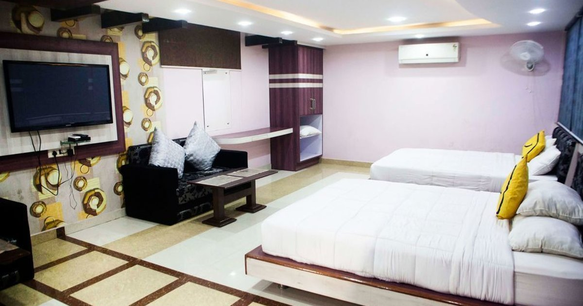 Vista Rooms At M.P Nagar