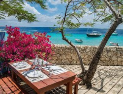 Netherlands Antilles hotels with sea view