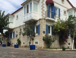 Top-10 hotels in the center of Alacati