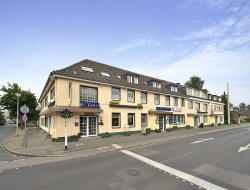Krefeld hotels with restaurants