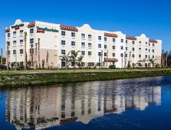 Pets-friendly hotels in Boynton Beach