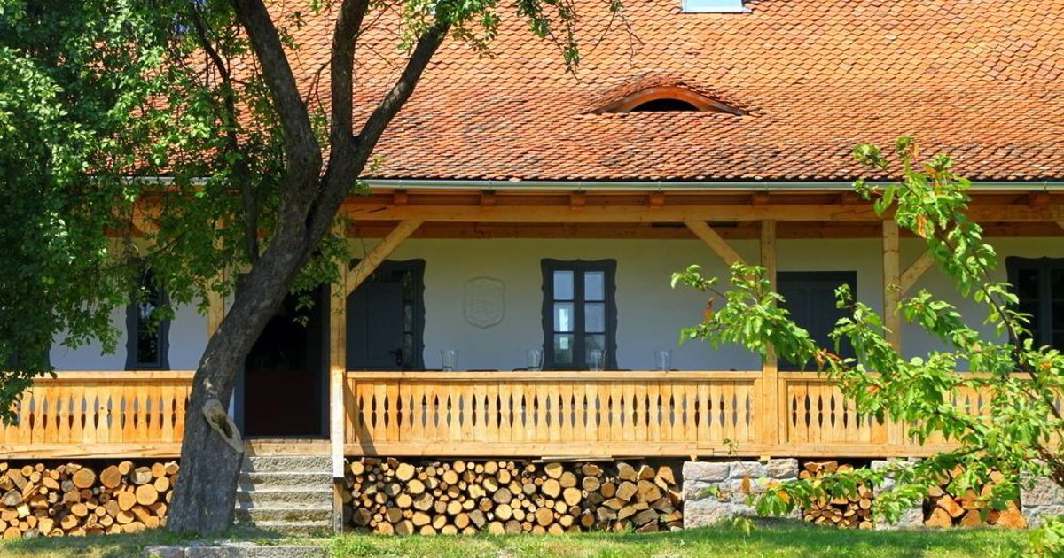 Dobrica Hunting Lodge