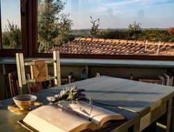 Tarquinia hotels with restaurants